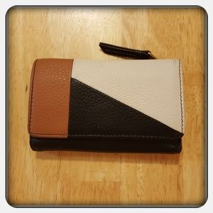 Woman's Genuine Leather Black Karli Fossil Wallet
